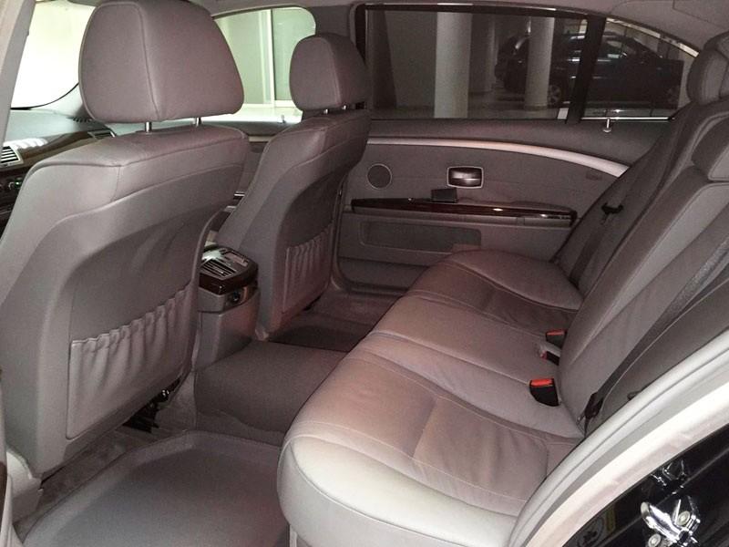 задние пассажирские сидения БМВ 750 Li