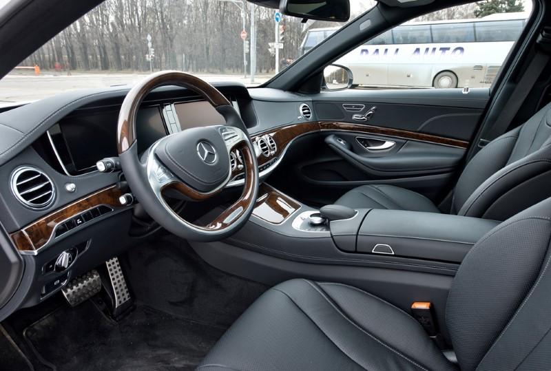 Водительское место Mercedes-Benz W222
