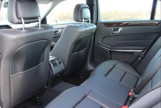 Серый кожаный салон Мерседес E212 AMG